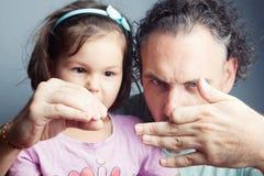 Portrait de famille, théâtre de marionnette de doigt Photos libres de droits