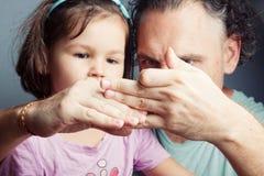 Portrait de famille, théâtre de marionnette de doigt Image stock