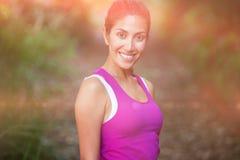 Portrait de femme convenable de sourire Photographie stock