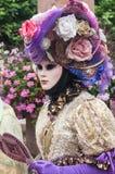 Portrait de femme Costumed au défilé vénitien dans Riquewihr en Alsace Photos libres de droits