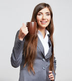 Portrait de femme d'affaires sur le gris Images stock