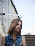 Portrait de femme de mode de rue d'été Images stock