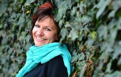 Portrait de femme en parc image libre de droits
