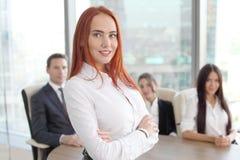 Portrait de femme et d'équipe d'affaires Photographie stock