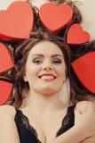 Portrait de femme heureuse Amour du jour de Valentine Images libres de droits