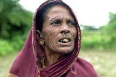 Portrait de femme nomade très vieille du Bengale Photo libre de droits
