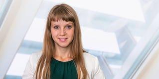 Portrait de femme réussie d'affaires dans le costume formel Photos libres de droits