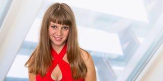 Portrait de femme réussie d'affaires dans le costume formel Photographie stock libre de droits