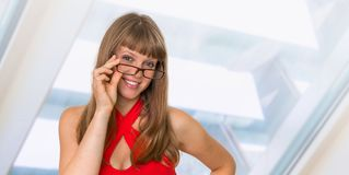 Portrait de femme réussie d'affaires dans le costume formel Images stock