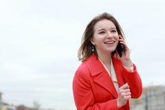 Portrait de femme réussie de sourire d'affaires de jeunes Les gens, mignon, extérieurs photographie stock