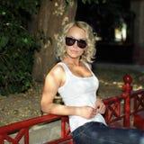 Portrait de fille blonde à la mode Photo libre de droits