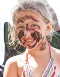 Portrait de fille blonde dans la boue Photo libre de droits