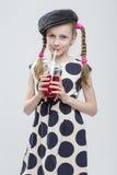Portrait de fille caucasienne drôle avec des tresses Images stock