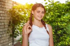 Portrait de fille en nature image stock
