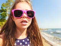 Portrait de fille extérieur dans l'heure d'été Images libres de droits