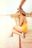 Portrait de fille sur la plage images stock