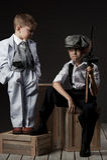 Portrait de garçons dans une image des bandits Photos stock