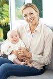 Portrait de grand-mère avec la petite-fille de bébé Photos libres de droits