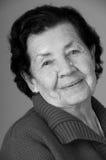 Portrait de grand-mère heureuse affectueuse douce Photo stock