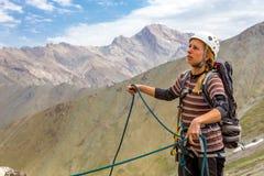 Portrait de grimpeur de roche féminin image libre de droits