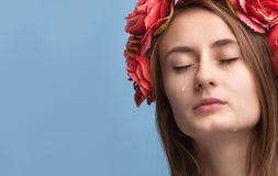 Portrait de jeune beau pleurer de femme Photographie stock libre de droits