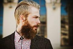 Portrait de jeune bel homme à la mode Photographie stock