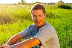 Portrait de jeune bel homme courageux Photo libre de droits