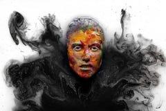 Portrait de jeune belle femme avec le maquillage créatif de mode moderne La passerelle ou le Halloween composent Projectile de st Image libre de droits