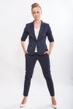 Portrait de jeune femme d'affaires à la mode Photos stock