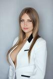 Portrait de jeune femme d'affaires sexy attirante caucasienne magnifique image libre de droits