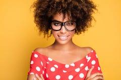 Portrait de jeune fille avec Afro Photographie stock
