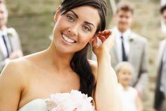 Portrait de jeune mariée au mariage image stock