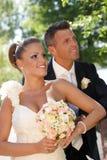 Portrait de jeunes couples le jour du mariage Photographie stock libre de droits