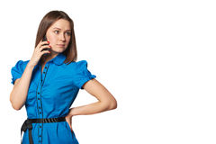 Portrait de l'appel téléphonique de jeune femme Belle fille d'isolement Femme parlante de téléphone portable Image libre de droits