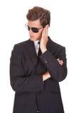 Portrait de l'espion masculin photographie stock libre de droits