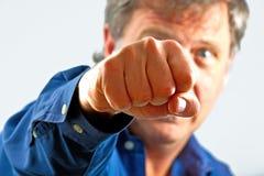 Portrait de l'homme avec le poing Image stock
