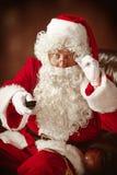 Portrait de l'homme en Santa Claus Costume Image libre de droits