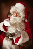 Portrait de l'homme en Santa Claus Costume Photos stock