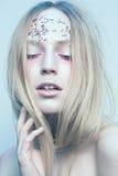 Portrait de la femme avec de beaux yeux bleus dessus Photos libres de droits