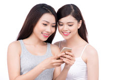 Portrait de la jeune belle femme asiatique riant avec bonheur Photos libres de droits