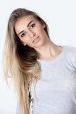 Portrait de la jeune femme Photo stock