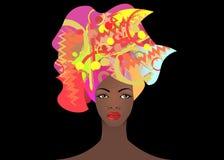 Portrait de la jeune femme africaine dans un turban coloré Enveloppez la mode d'Afro, Ankara, Kente, kitenge, robes africaines de Images libres de droits