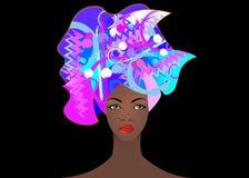 Portrait de la jeune femme africaine dans un turban coloré Enveloppez la mode d'Afro, Ankara, Kente, kitenge, robes africaines de Photo libre de droits