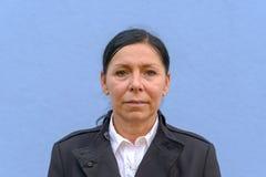 Portrait de la série 1/4 de femme mûre de sourire images libres de droits