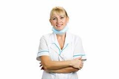 Portrait de médecin blond mûr Images libres de droits