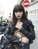 Portrait de mode de jeune belle fille de l'adolescence photo libre de droits