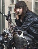Portrait de mode de jeune belle fille de l'adolescence photos stock