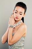 Portrait de mode de modèle fascinant, joli visage image stock