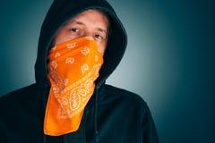 Portrait de personne masculine criminelle masquée photo stock