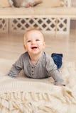 Portrait de petit bébé garçon mignon Image libre de droits